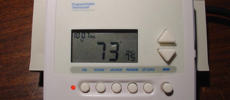 El termostato del fabricante tiene todas las funciones originales y son muy fiables